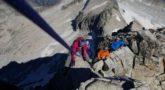 Montañeros encordados en el Puente de Mahoma