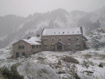 Refugio de La Renclusa nevado el 14/9/2017